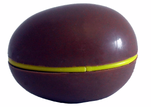 Toy-filled chocolate egg with idiot-proof design